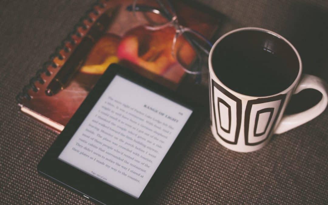 Kindle VS Livro | 5 vantagens 📱📖