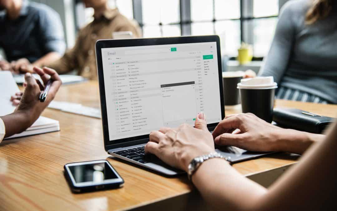 Aprenda a lidar com seus e-mails de forma produtiva em apenas 30 min por dia 📧👌
